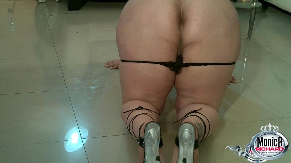 Bbw Femboy Shows Us Flaunts Her Enormous Butt