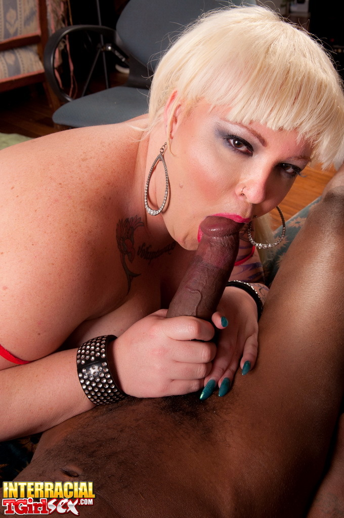 Fantastic Michelle Sucking Dick On A Big Black Penis