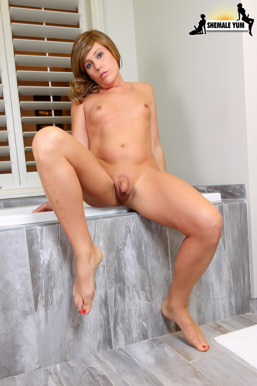 Flirtatious Nikki Jade Taylor Strips