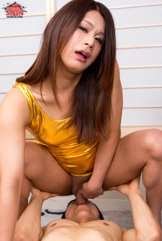 Golden Girl Gets Her Dude