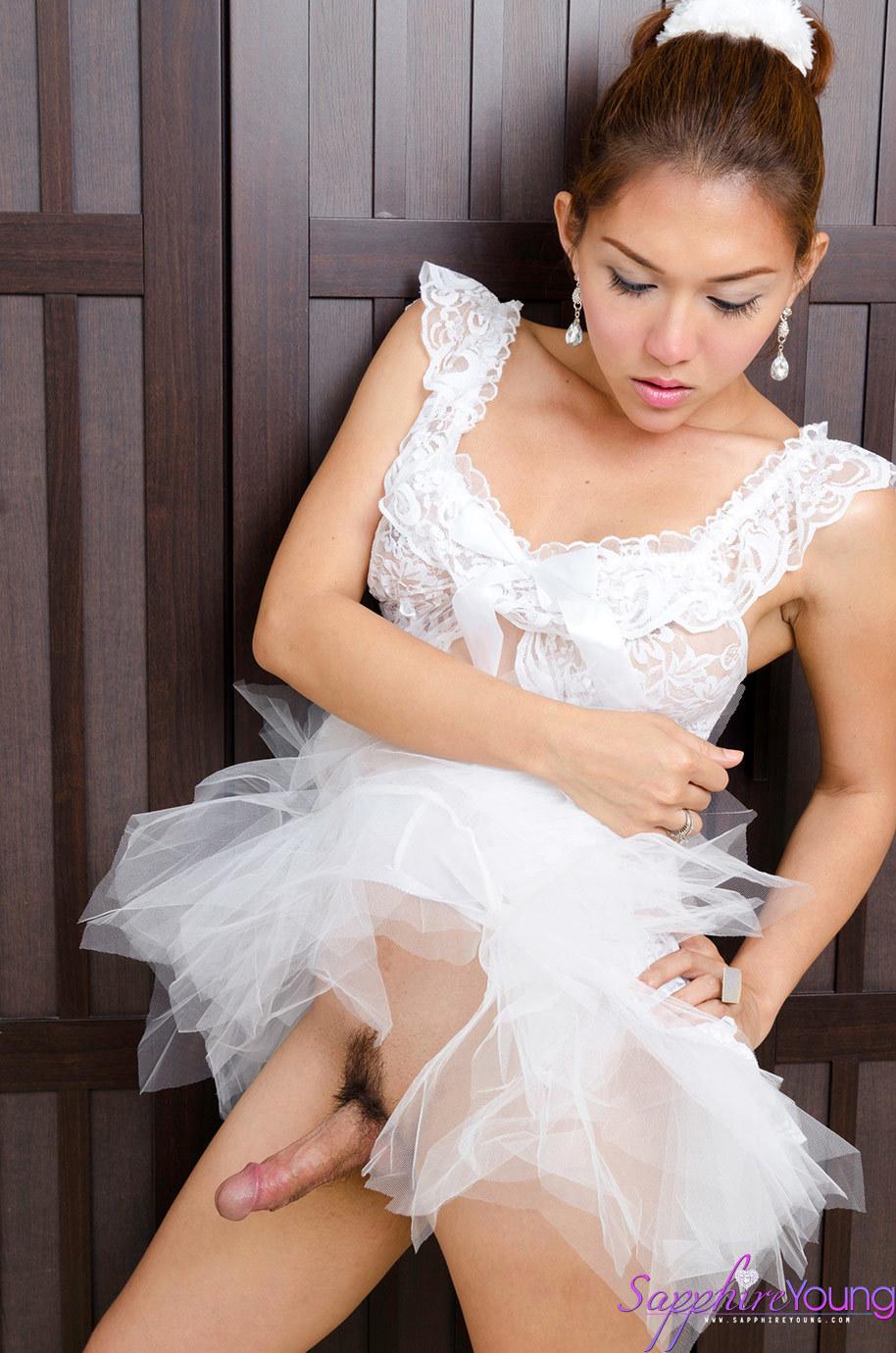 This Nice Ballerina Has A Huge Erect Surprise Under Her Toot