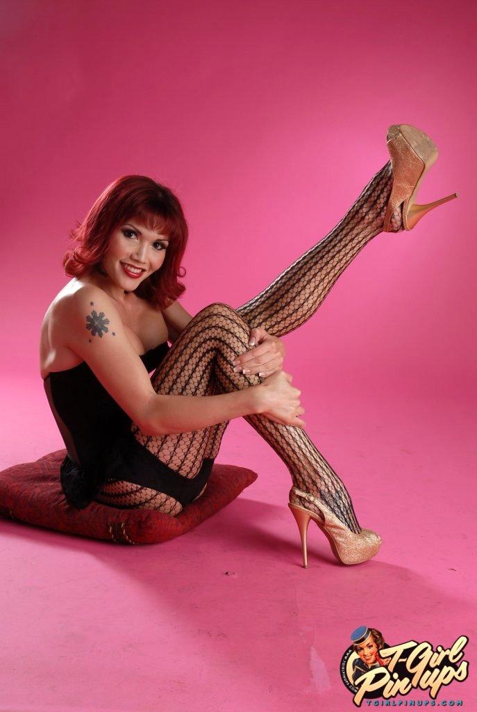Titillating Shemale Eva Lin Posing Her Seductive Racy Body