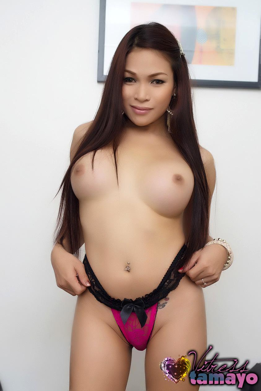 Tranny Vitress Tamayo In Pink Panties