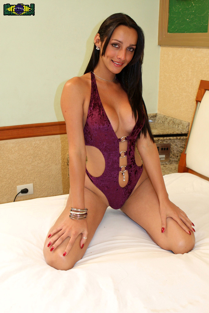 Yummy Brazilian T Babe Tassya Has The Cutest Smile, Melon Tit